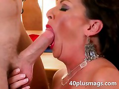 blowjob,brunette,hardcore,housewife,ma..