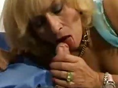 Horny Mom needs it !